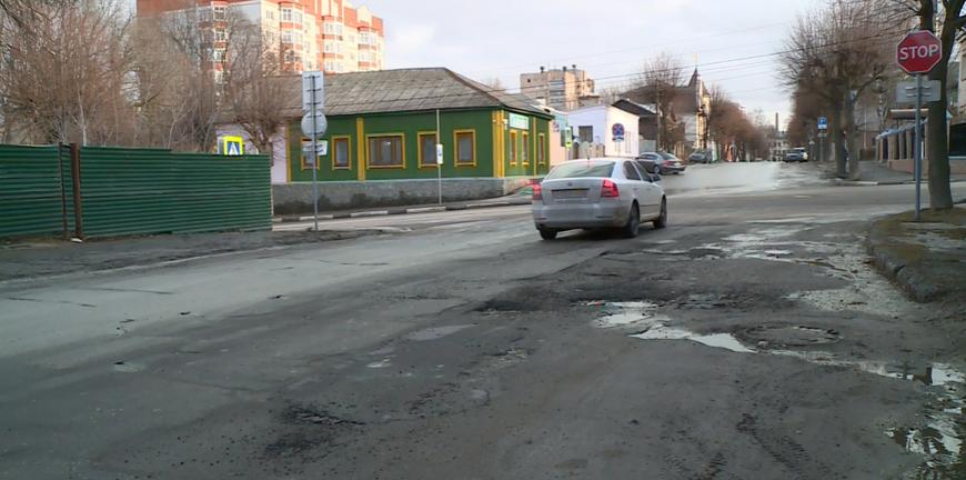 ГИБДД: почти треть ДТП в России происходит из-за некачественных дорог